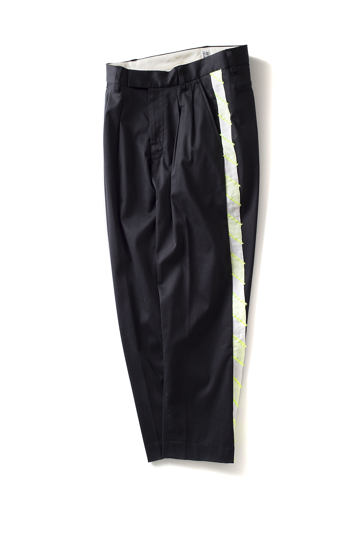 RYU : Two-tuck Tapered Pants With Fringe (Black)