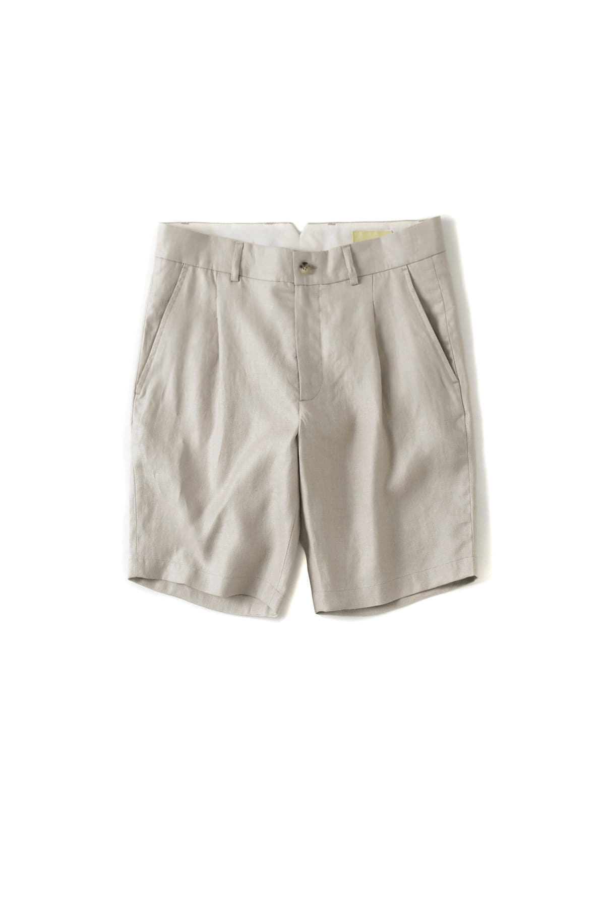de bonne facture : One Pleat Bermuda Shorts (Sand)