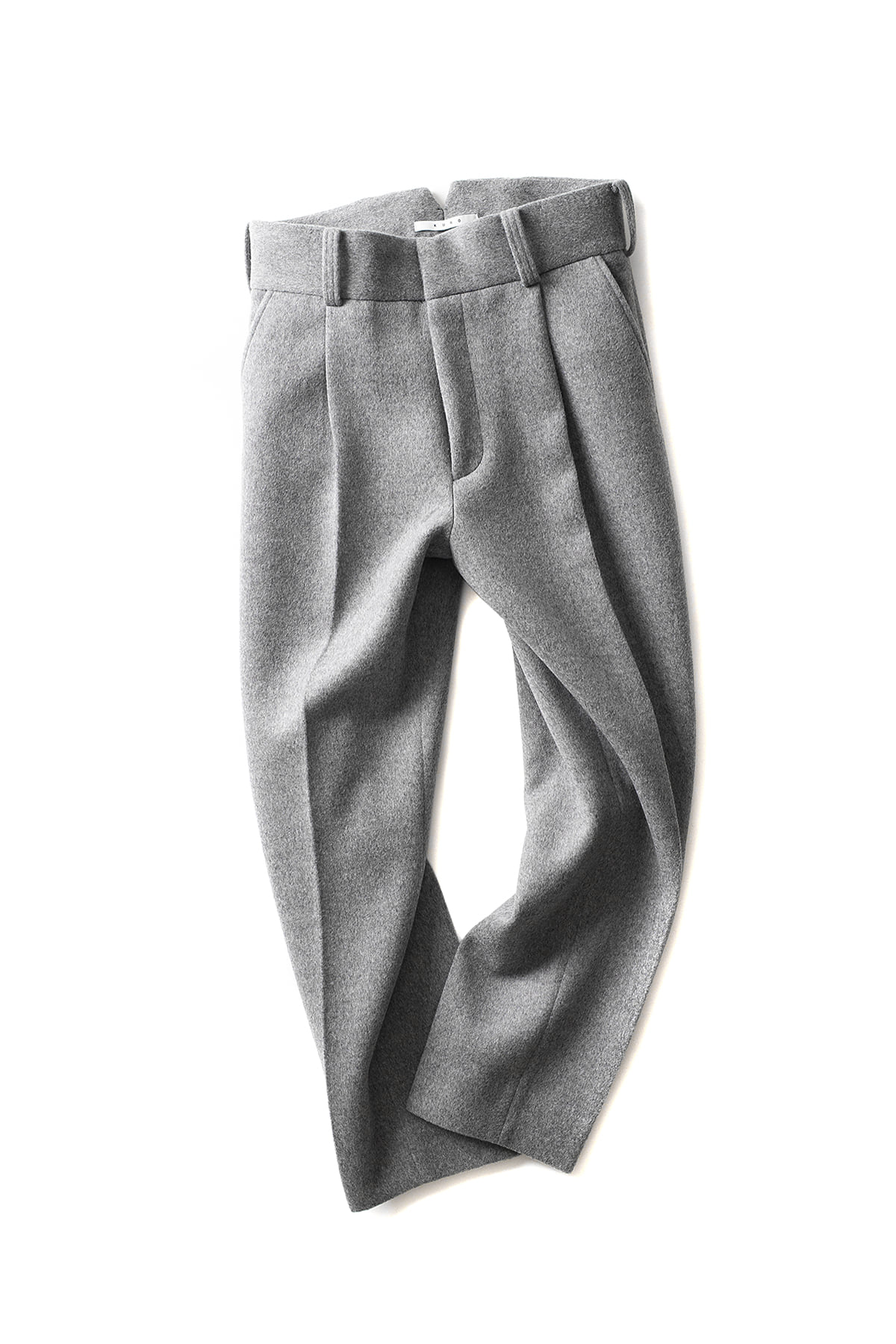 KURO : One Tuck Tapered Trouser (Grey)