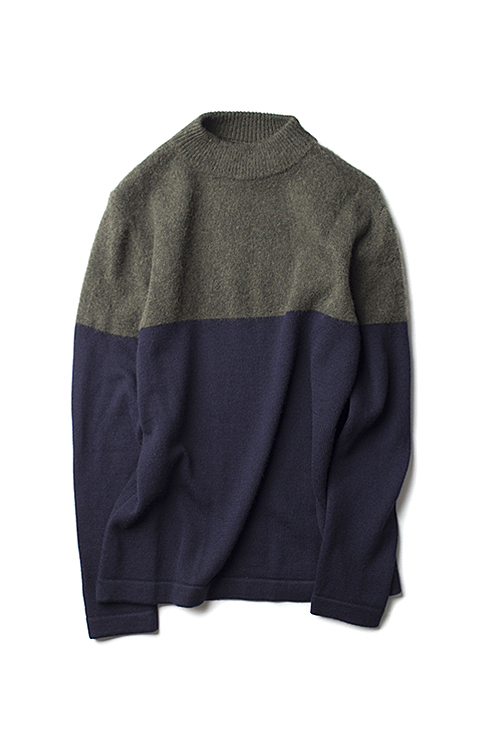 Still By Hand : 2Tone Pullover Knit (Olive)